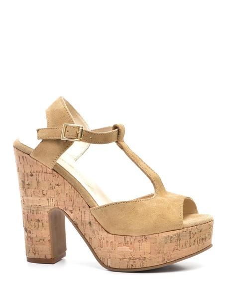 Sandalia fabricada en serraje luxe y forro de piel